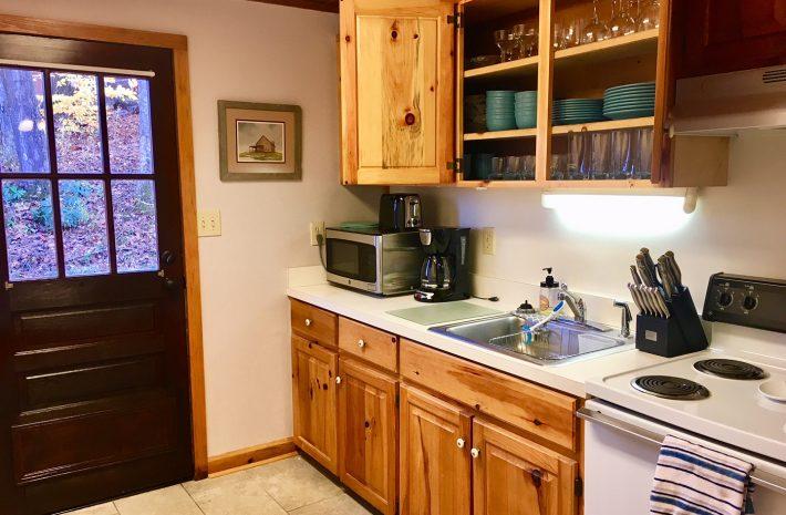 "Cabin 9 ""Log House"" Room Image"