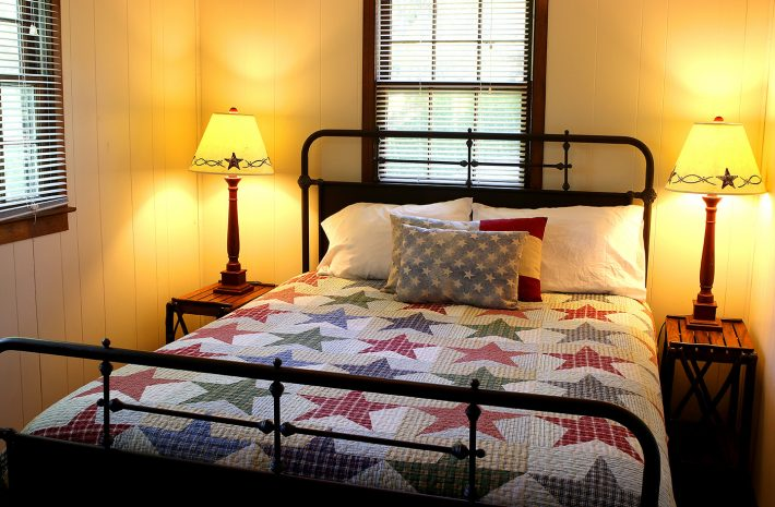 "Cabin 5 ""Stars & Stripes"" Room Image"