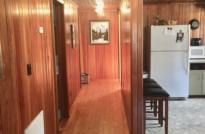 "Cabin 4 ""Wildlife Cabin"" Room Image"